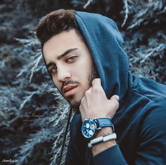 ژست عکاسی مردانه برای پروفایل