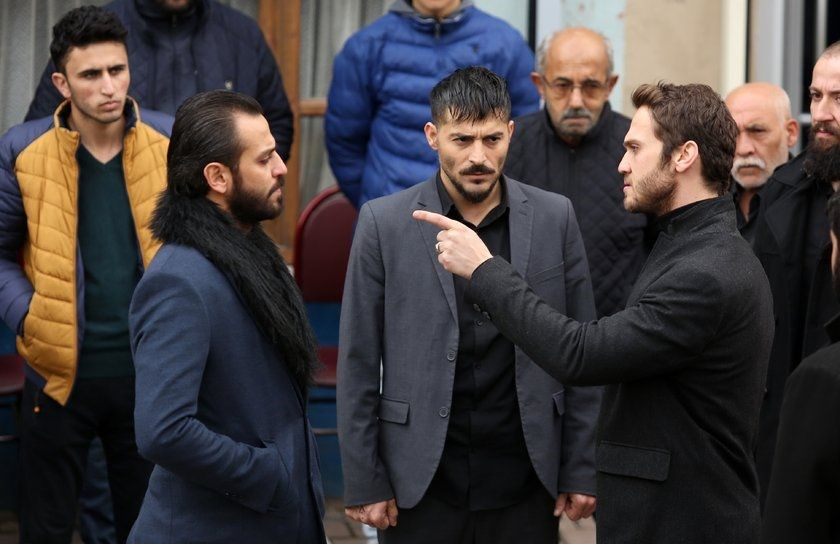 نمایی زیبا از سریال ترکی گودال با بازی نقش Aras Bulut İynemli