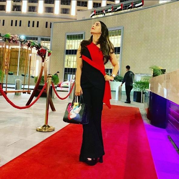 عکس های جالب و قشنگ خواننده خانم فرزانه ناز در اینستاگرام
