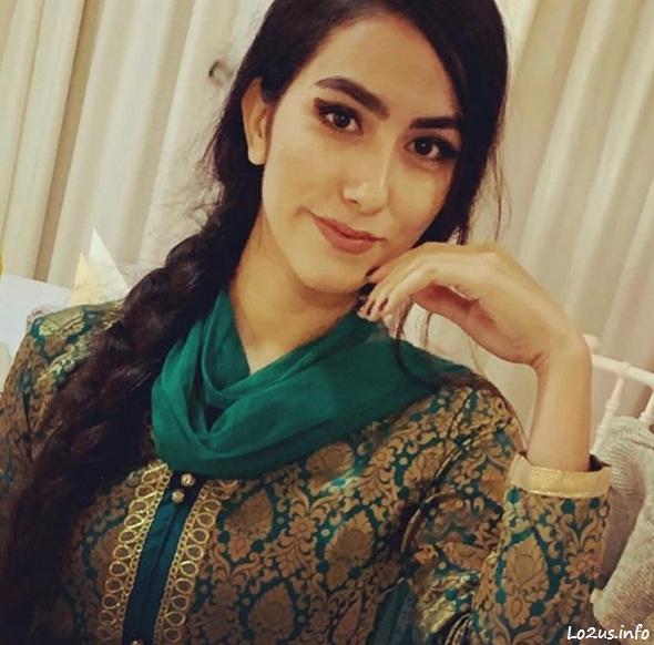 عکس هانیه مزاری یا شوی شار با آرایش و لباس وطنی