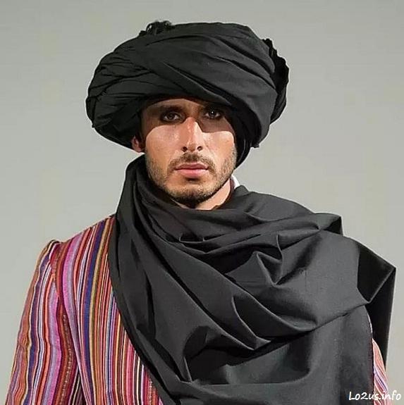 مرد افغانی با لباس محلی