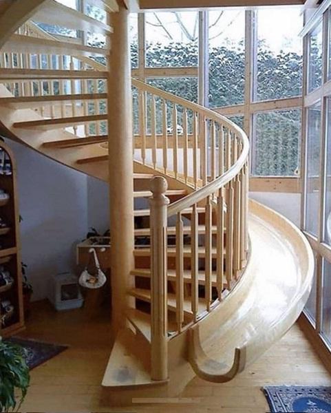 زیباترین راه پله گرد چوبی + سرسره