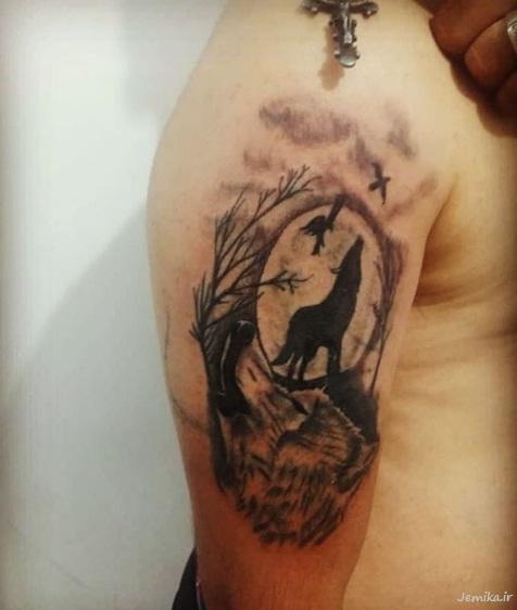 خالکوبی گرگ روی بازو